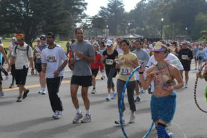 Bay to Breakers runniers. Photo courtesy Wikipedia.