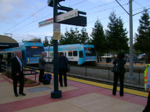 vta express light rail train photo
