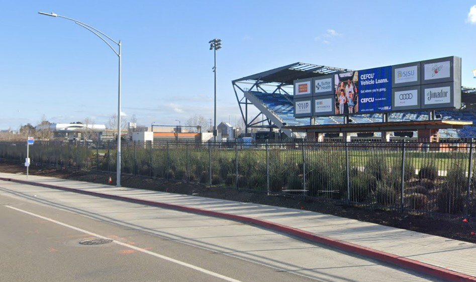 VTA bus stop in front of PayPal park